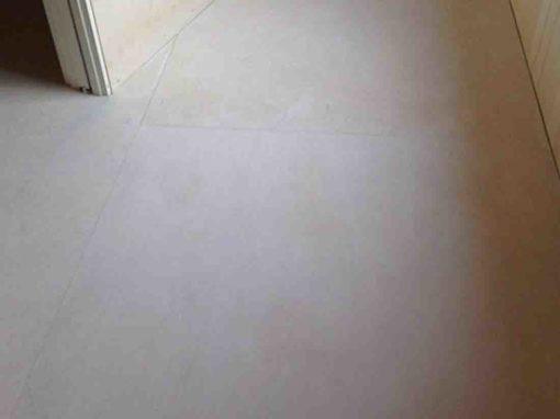 Hvitoljet gulv